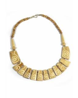 Kostěný náhrdelník v béžové barvě a motivem spirálek