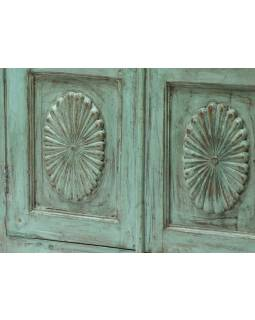 Prosklená skříň z antik teakového dřeva, tyrkysová patina, 78x36x136cm