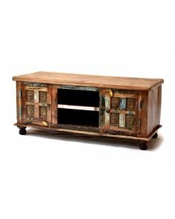 Skříňka pod TV z antik teakového dřeva, mosazné hlavy buddhů, 120x45x50cm