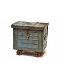 Truhla na kolečkách, antik, teakové dřevo, zeleno modrá patina, 61x47x60cm
