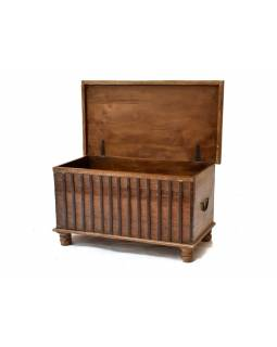 Truhla z antik teakového dřeva, bílá patina na horním víku, 87x43x48cm