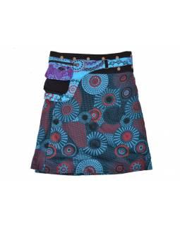 Krátká petrolejová sukně zapínaná na patentky, barevný mandala potisk, kapsa