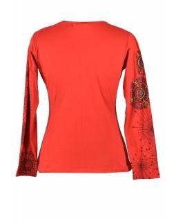Červené tričko s dlouhým rukávem a potiskem mandal, výšivka