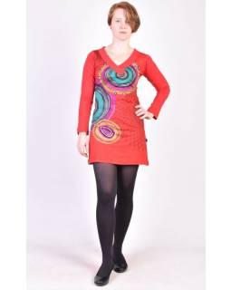 Červené šaty s dlouhým rukávem, Mandala potisk