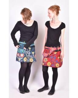 Krátká tyrkysová sukně zapínaná na svočky, Lace design, potisk, kapsička