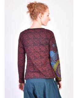 Černé tričko s dlouhým rukávem, vínový celopotisk a barevná mandala, V výstřih