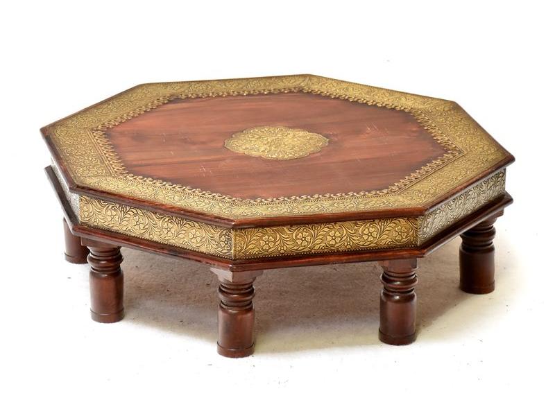 Oktagonální stolek z palisandrového dřeva, mosazné kování, ruční práce