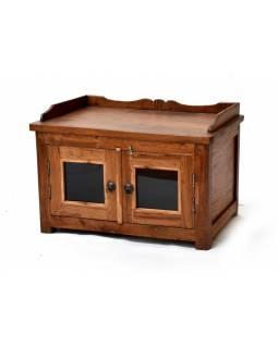 Komodka - stolek ze strého teakového dřeva, prosklená dvířka, 71x47x48cm