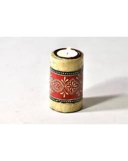 Dřevěný, ručně malovaný svícen, průměr 6cm, výška 10cm