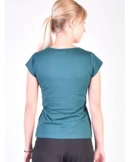 Smaragdově zelené tričko na jógu z bio bavlny, výšivka Kitamari a potisk
