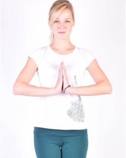 Bílé tričko na jógu z bio bavlny, výšivka Kitamari a potisk