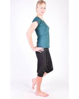 Černé tříčtvrteční balonové kalhoty na jógu z bio bavlny, potisk Kitamari