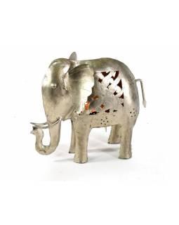 Slon, kovový svícen, ruční práce, prořezávané ornamenty, vyš. 24cm