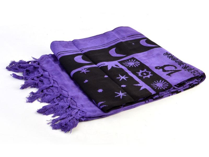 Fialový přehoz na postel se zvěrokruhem, černý potisk, třásně, 135x210cm