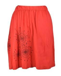 Krátká červená sukně s potiskem a barevnou výšivkou, elastický pas