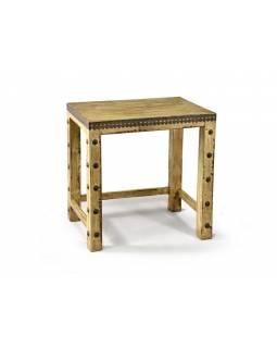 Stolička z antik teakového dřeva zdobená mosazným kováním, 46x30x43cm
