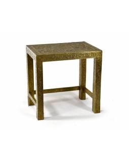 Stolička z antik teakového dřeva zdobená mosazným kováním, 45x30x43cm