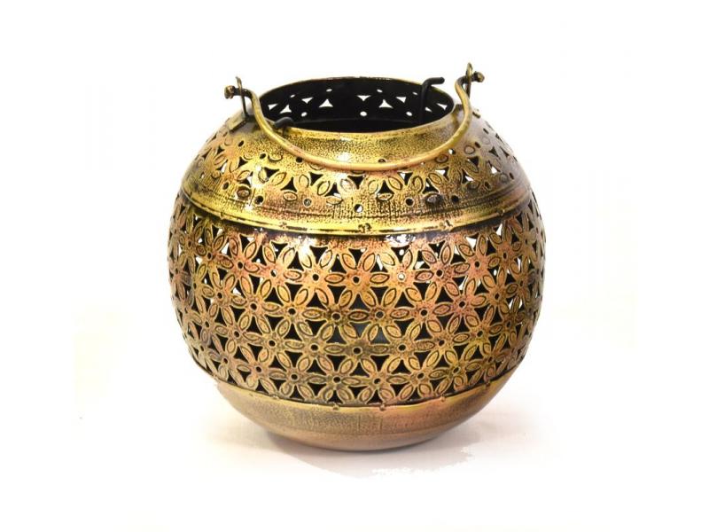Závěsný svícen, ručně vyřezávaný a tepaný, mosazná patina, 15x15x16cm