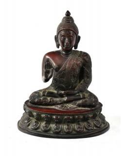 Buddha Amoghasiddhi, mosazná soška, měděná úprava, 15x11cm