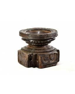 Antik svícen s originální řezbou, týk, 15x15x12,5cm