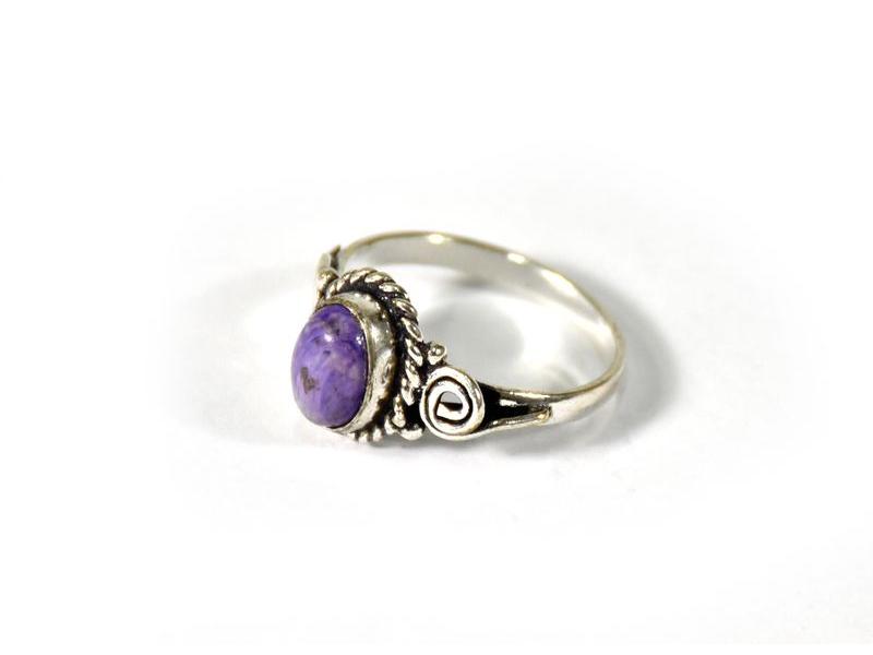 Prsten vykládaný čaroitem, postříbřený (10µm)