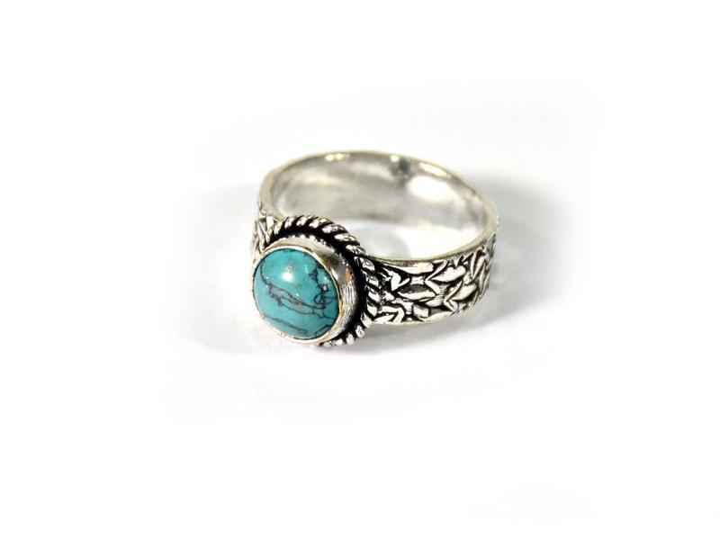 Prsten vykládaný tyrkysem, postříbřený (10µm)