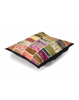 Povlak na polštář z Rajastanu, patchwork ze starých výšivek, ruční práce