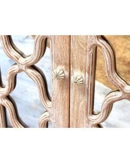 Komoda z mangového dřeva, ručně vyřezávaná dvířka se zrcadly, 153x51x94cm