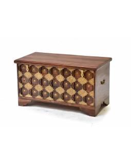 Truhla z palisandrového dřeva zdobená mosazným kováním, 90x40x50cm