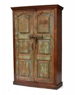 Šatní skříň z antik teakového dřeva, zelená patina, železné kování, 116x43x187cm