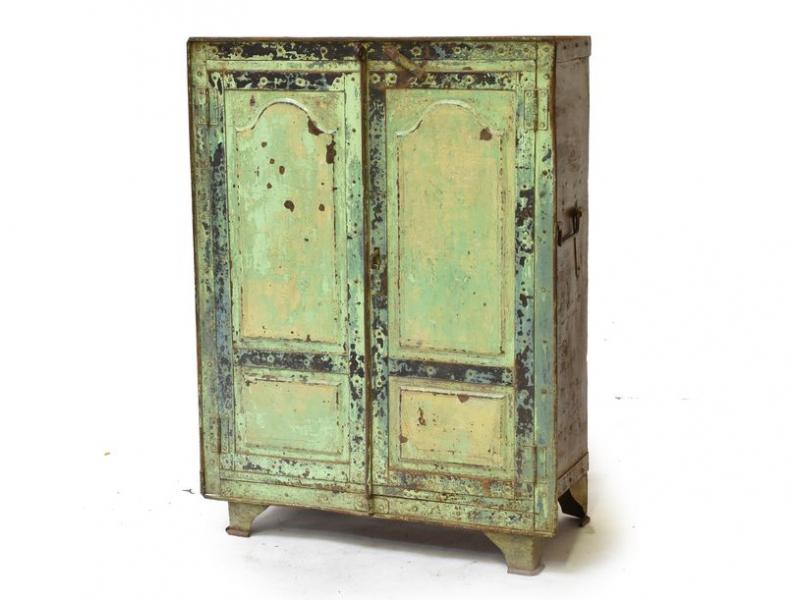 Celokovová skříňka s petlicí, 79x39x108cm
