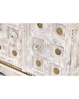 Komoda z antik teakového dřeva zdobené mosazným kováním, 178x45x90cm