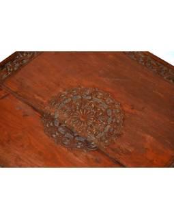 Čajový stolek z teakového dřeva, antik, ručně vyřezávaný, 58x58x23cm
