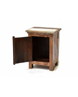 Noční stolek z antik teakového dřeva zdobený reliefy Buddhů, 46x35x60cm