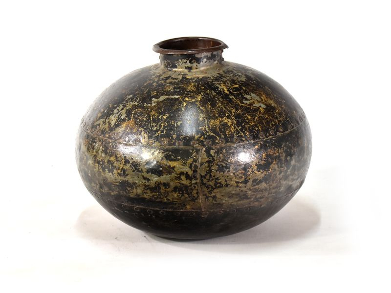 Stará kovová nádoba na vodu, průměr 35cm, výška 30cm