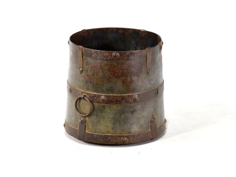 Stará kovová nádoba, průměr 19cm, výška 20cm