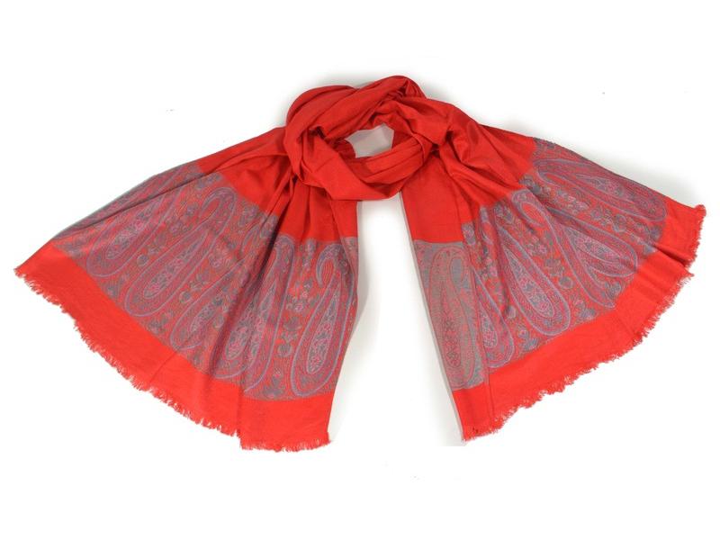 Červená šála s jemným paisley designem, zelené protkávání, 200x70cm
