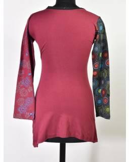 """Vínovo černé šaty s dlouhým rukávem """"Woman design"""", potisk a výšivka"""
