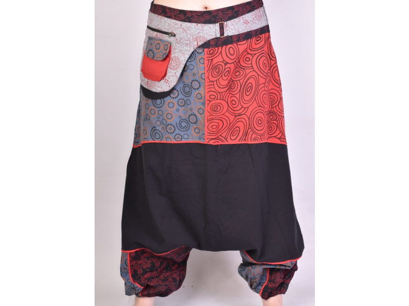 Černo-červené turecké kalhoty s potiskem, kapsa