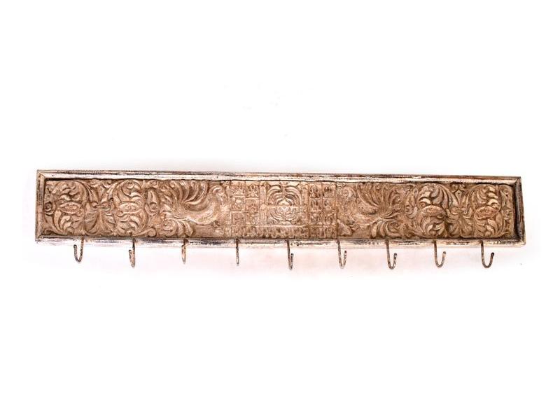 Dřevěný vyřezávaný starý panel s hačky, bílá patina, 125x18x4cm