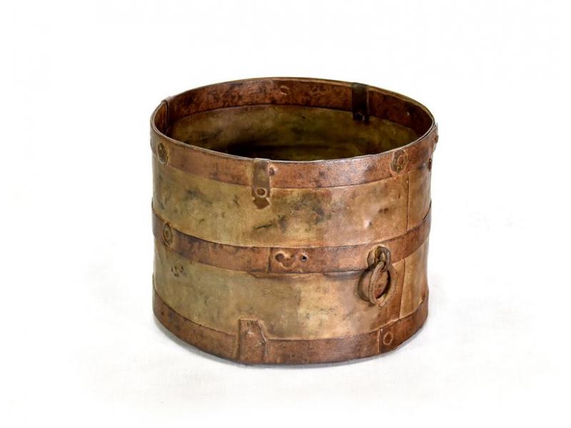 Stará kovová nádoba, průměr 21cm, výška 16cm