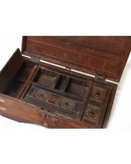 Stará dřevěná truhlička z teakového dřeva, 49x26x25cm