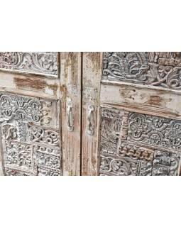 Skříň z antik teakového a mangového dřeva, ruční řezby, 103x45x172cm