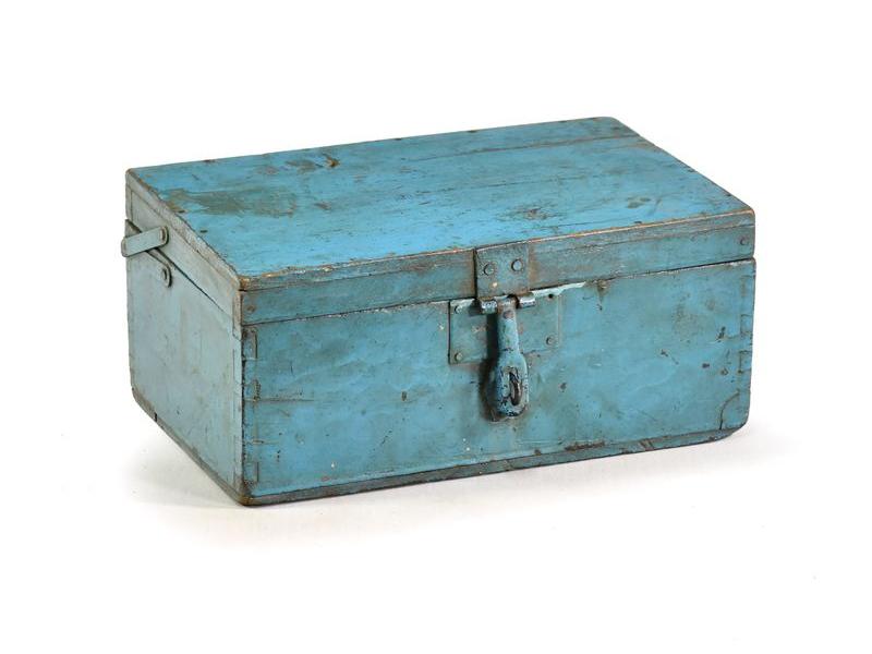 Stará dřevěná truhlička z teakového dřeva, 25x17x12cm