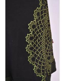Krátké černé šaty s tříčtvrtečním rukávem, zelený potisk a výšivka Lace design