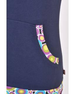 Tmavě modré tričko s kapucí, kapsami a krátkým rukávem, Bubble print