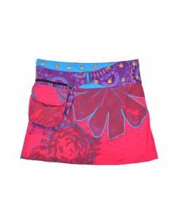 Krátká růžová sukně, zapínání na patentky a kapsička, výšivka