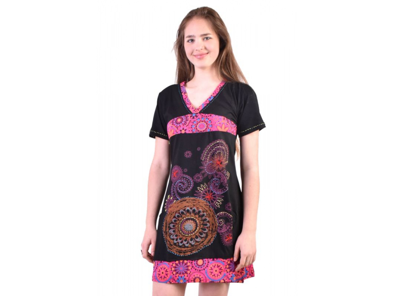 Černo-růžové šaty s krátkým rukávem a potiskem mandal, výšivka