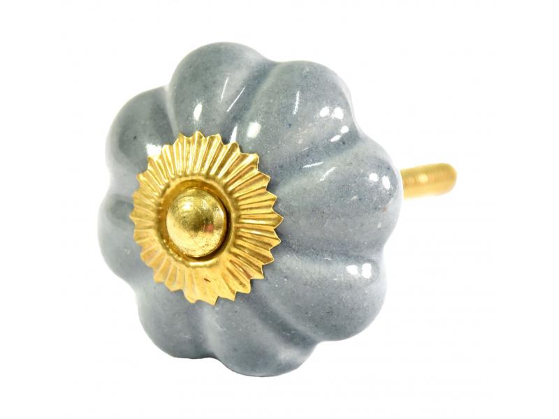 Malované porcelánové madlo na šuplík, šedé, tvar květiny, zlatý dekor,  4,3cm