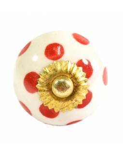 Malované porcelánové madlo na šuplík, bílé s červenými puntíky, průměr 3,8cm